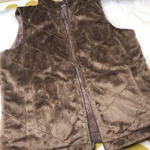 Columbia reversible vest in size medium. GUC